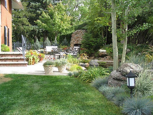 Retaining wall construction patio design landscape for Garden design examples