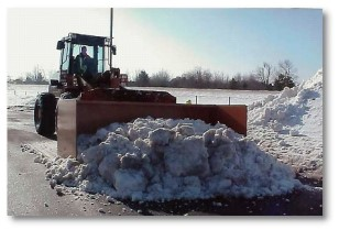 heavy-snow-moving-equipment
